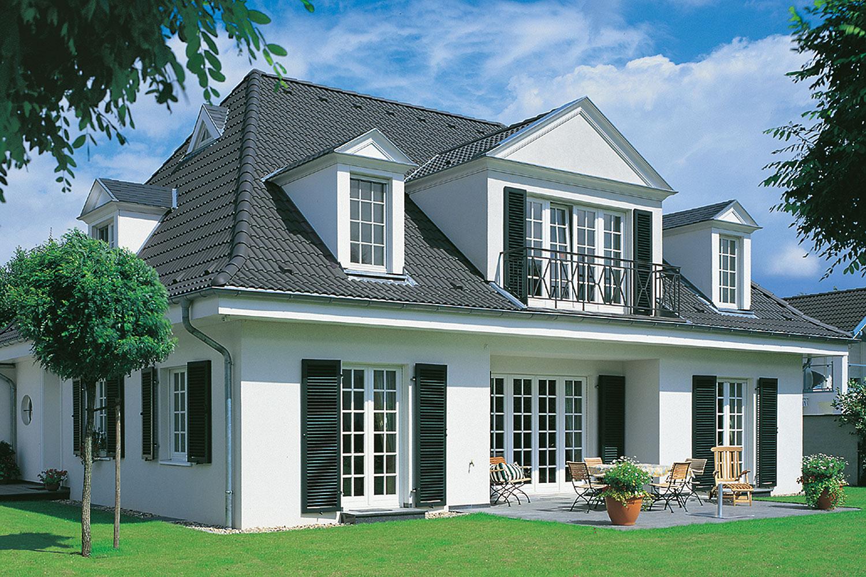 Haus mit braas Taunus Pfanne Granit