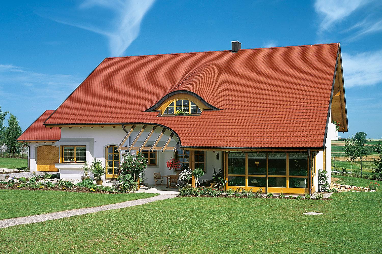 Villa mit braas Fledermausgaube Opal Standard