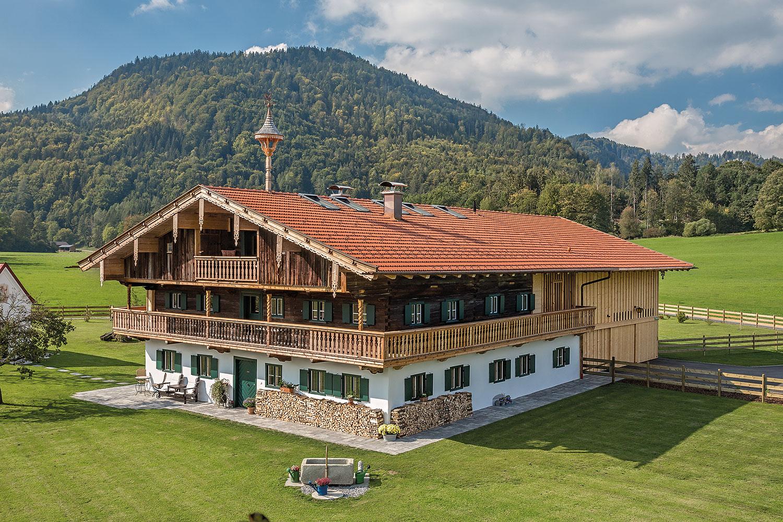 Schwarzwaldhaus mit Bedachung von creaton